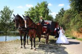 Focení novomanželů u blízkého rybníku